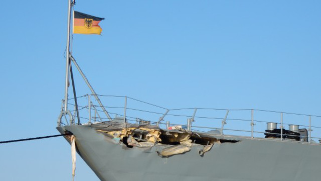 VIDEO: German Warship Mecklenburg-Vorpommern Collided With Container ship Nordic Bremen in Kiel Canal