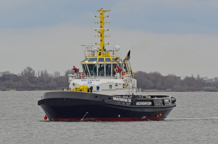 Multraship takes delivery of first of two CARROUSEL RAVE TUGs from Damen