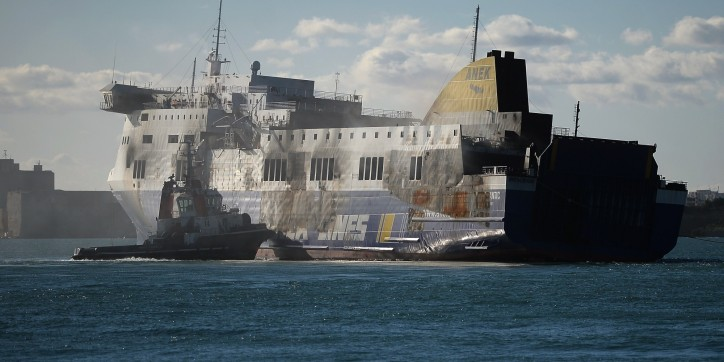Thieves raid the burnt-out Norman Atlantic