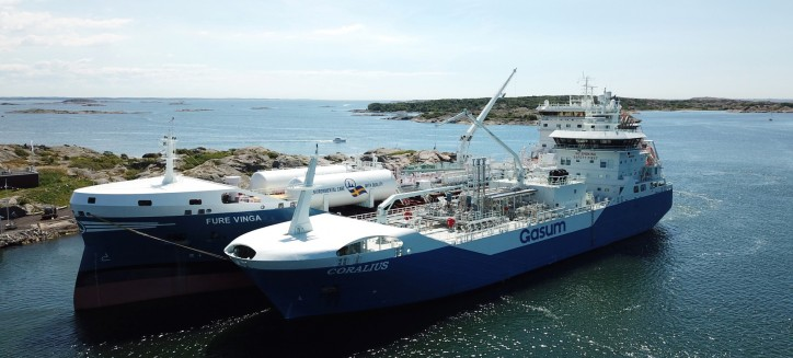 Gasum LNG bunker vessel Coralius reaches 100 bunkerings milestone - LNG demand on the rise