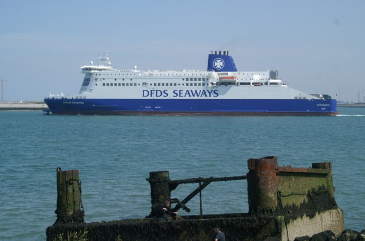 Abandoned backpack caused evacuation of UK-ferry near Dunkirk, France