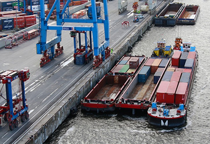 """More """"Wet Transfers"""" at the Port of Hamburg"""