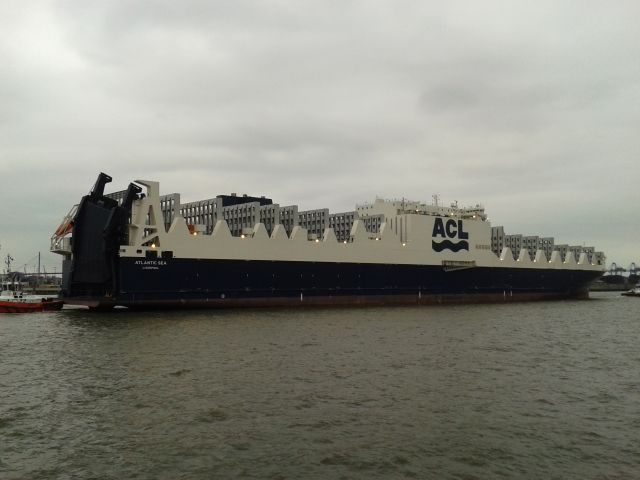 Atlantic Container Line Christens New G4 CONRO Ship in Liverpool