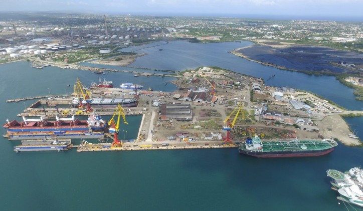 Both floating docks of Damen Shiprepair Curaçao operational (Video)