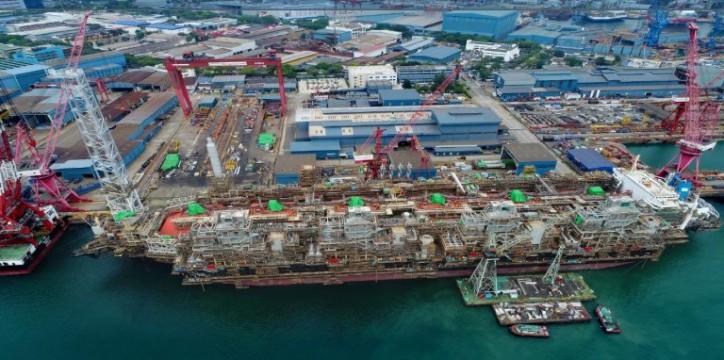 FLNG Hilli Episeyo departs Keppel Shipyard