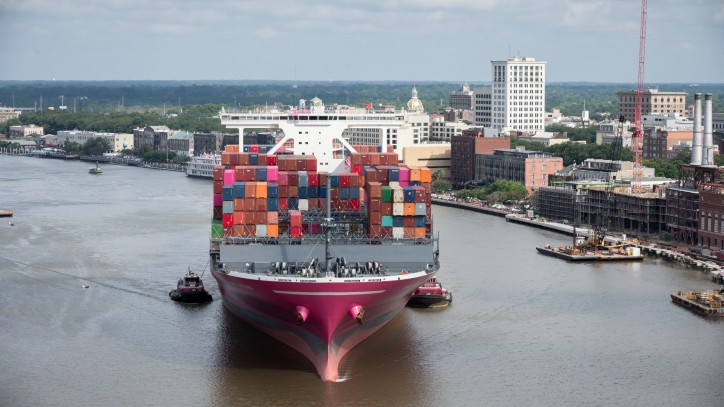 Containership Stork makes first deliveries to Savannah