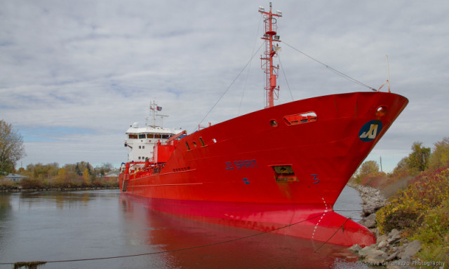 Chemical tanker Jo Spirit ran aground near Montreal, Canada