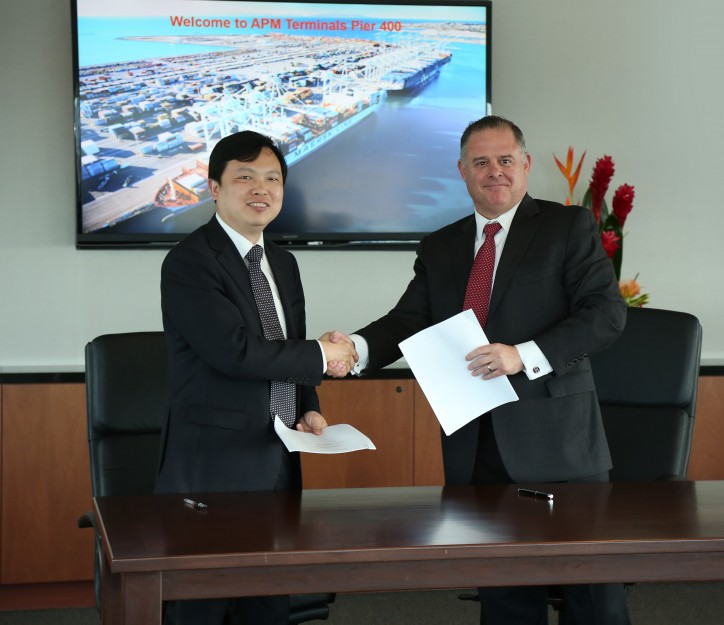 APM Terminals Signs Crane Extension Contract for Pier 400 Los Angeles