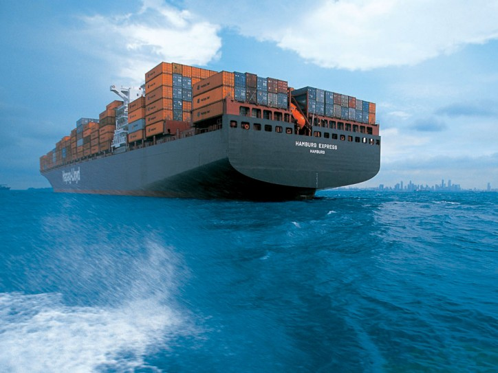 Hapag-Lloyd and Maersk Line to cooperate on dangerous goods safety