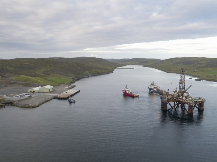 Buchan Alpha arrives in Shetland for disposal
