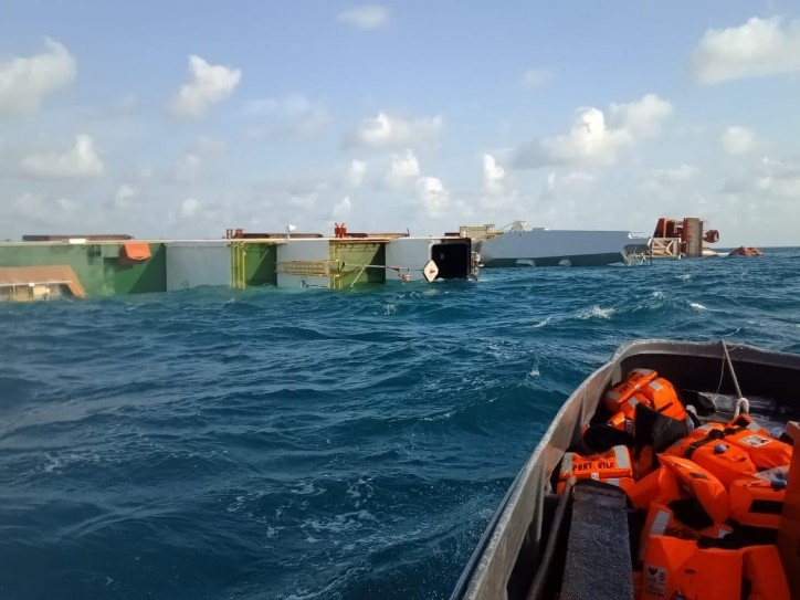 Cable ship Star Centurion sinks after collision with tanker Antea in Bintan (VIDEO)