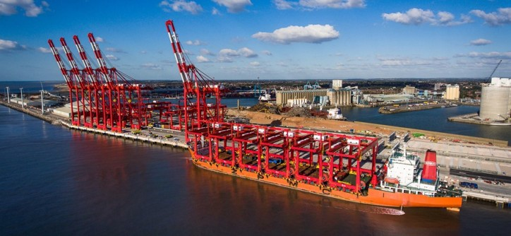 Last batch of CRMG cranes arrive in Mersey for Liverpool development