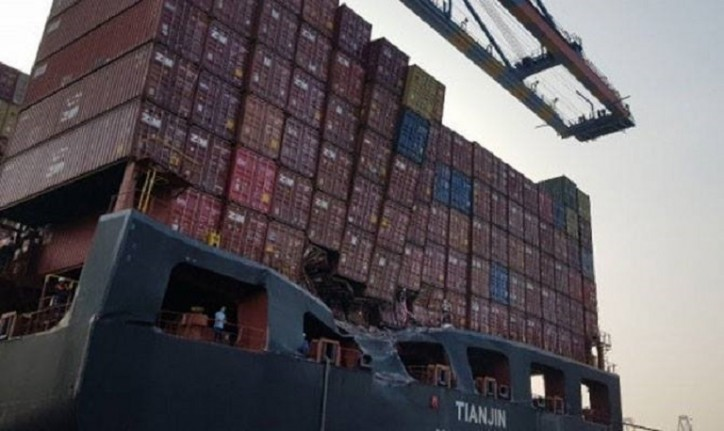 Containerships TIANJIN and SAFMARINE NOKWANDA damaged in
