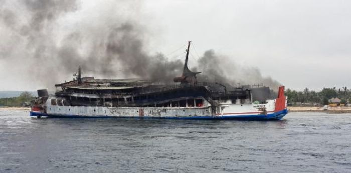 Ferry Gelis Rauh burns out near Bali