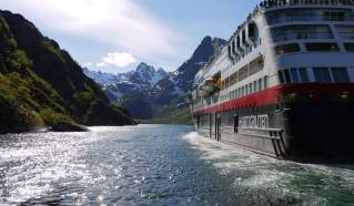 Hurtigruten establishes Dover as UK home port for expedition cruises from March 2021