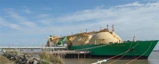 ELENGY celebrates the 10,000th LNG delivery in its terminals
