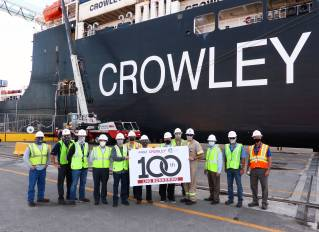 Eagle LNG and Crowley Celebrate 100th LNG Bunkering for CONRO Ships at JAXPORT