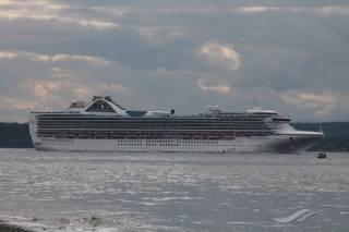 US Coast Guard medevacs passenger, delivers supplies to Grand Princess