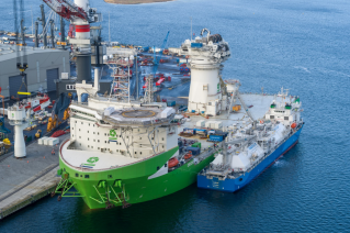 Next-generation offshore installation vessel 'Orion' fuelled for the first time with LNG