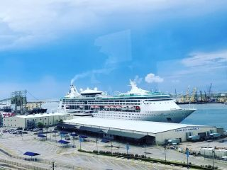 Port of Galveston signs a long-term contract with Royal Caribbean Cruises for a new $100 million cruise terminal