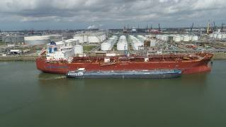 Waterfront Shipping takes leadership role in demonstrating simplicity of methanol bunkering to marine industry