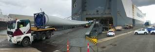 45-metre long rotor blades shipped by Höegh Autoliners for renewable energy project