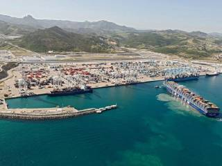 The CMA CGM Group simplifies its trade network on the Transpacific trade