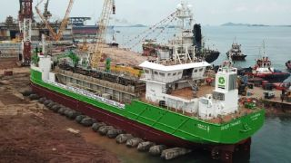 Royal IHC successfully launches TSHD River Thames