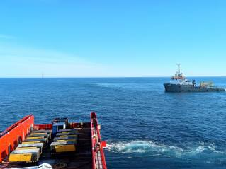 VOS Paradise at work for Weyres Offshore