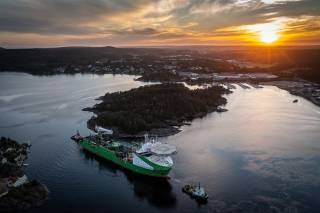 """DEME Offshore Successfully Installs DolWin6 HVDC Cable with """"Living Stone"""" operating on LNG"""