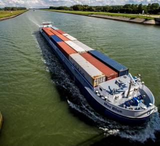 E.ON, Port of Rotterdam Authority and DeltaPort Niederrheinhäfen join forces to create an infrastructure for climate-neutral transport routes