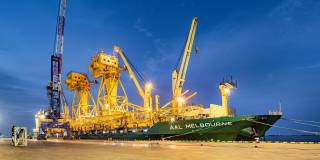 AAL Delivers 1,800MT of Giant JIB Cranes To Dubai