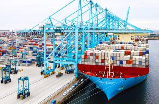 APM Terminals agrees divestment of APM Terminals Rotterdam to Hutchinson Ports
