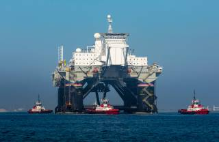 Crowley Tugs Work Together to Load LP Odyssey Launch Platform for Offshore Ship Transfer