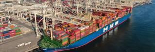 Jebel Ali Port Welcomes Mega Container Ship HMM GDANSK On Its Maiden Visit