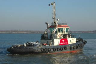 A new world first for Port of Antwerp – a methanol-powered tugboat (Video)