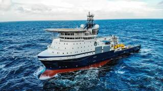 Island Victory chartered by Ocean Installer