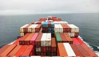 Seaspan Corporation to get energy saving compressors for container ships