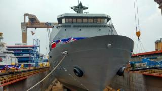 Largest addition to Philippine navy fleet unveiled in Indonesia (Video)
