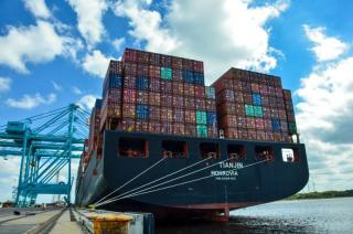 JAXPORT sets container volume record for third consecutive year
