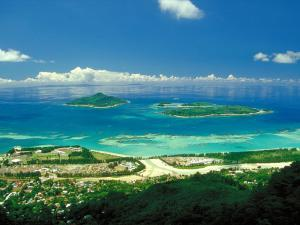 Seychelles Tourism Board Thanks to Routes Closes