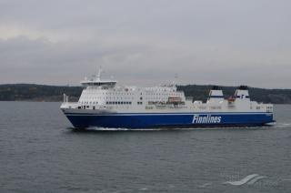 Finnlines' passenger-cargo vessel MS Finnfellow sustained a technical failure in the Finnish Archipelago – now safely at the port