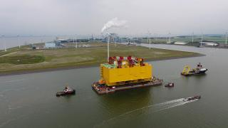 WAGENBORG assists converter station DolWin Gamma in Eemshaven (Video)