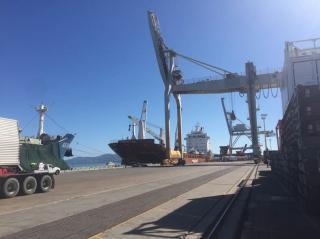 Townsville port raises the bar with new cranes