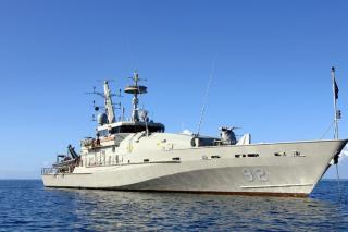 Royal Australian Navy HMAS Wollongong Intercepts Illegal Fishermen