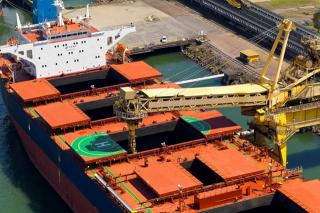 Strong rise in coal ships heading to east Australia's Newcastle port