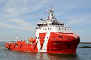 VOS Start - Vroon's first subsea-support walk-to-work vessel arrives in Amsterdam