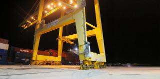 The Deepest Container Terminal in Iberia Debuts His First Regular Service with MacAndrews