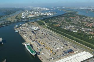 Coordinated action to mitigate the effect of a hard Brexit around the port of Rotterdam