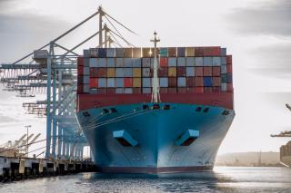 APM Terminals Pier 400 Los Angeles sets new single vessel record with 24,846 TEUs handled